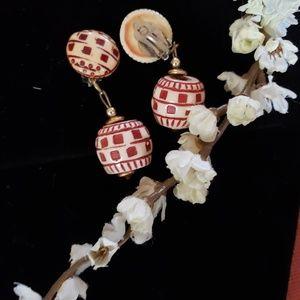Jewelry - Vintage drop clip-on earrings